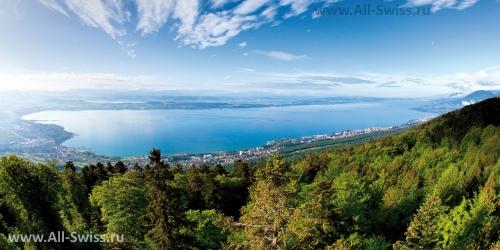 Вид с гор на Невшательское озеро
